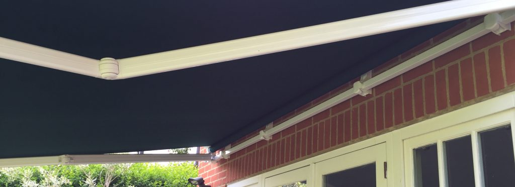 Patio Awning open Right